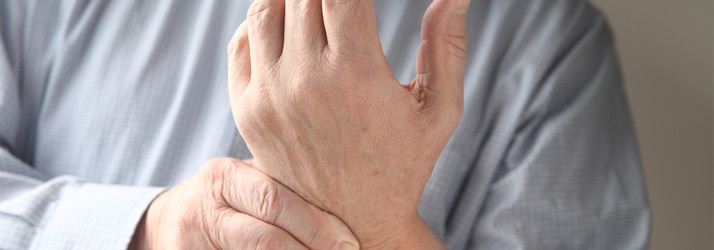the best chiropractor in Warren sees patients with carpal tunnel syndrome